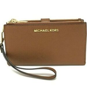 🆕️Michael Kors Double Zip Wrislet